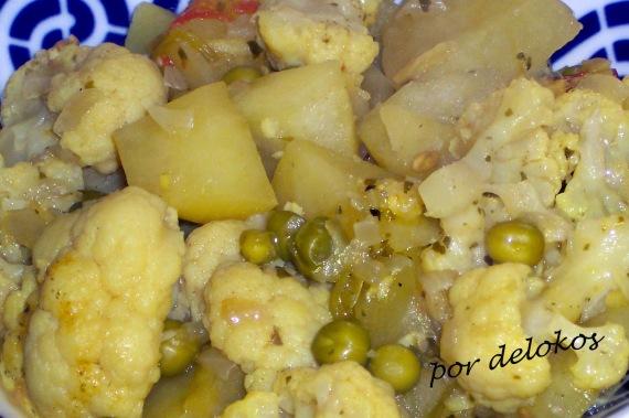 Curry de patatas y verduras, por delokos