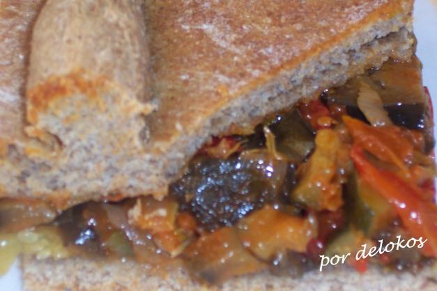 Empanada de espelta con verduras y algas
