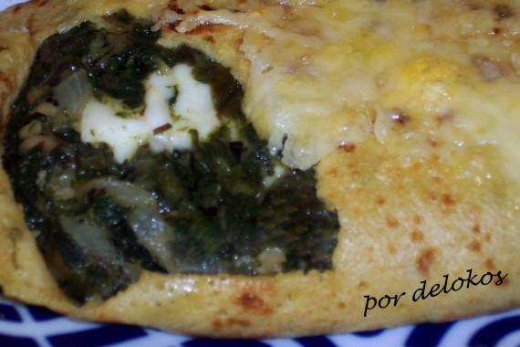 Filloas rellenas de espinacas, algas y queso Halloumi, por delokos