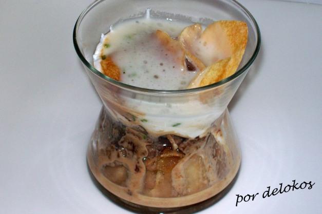 Huevo escalfado con morchella y patatas chips - Flavio Morganti
