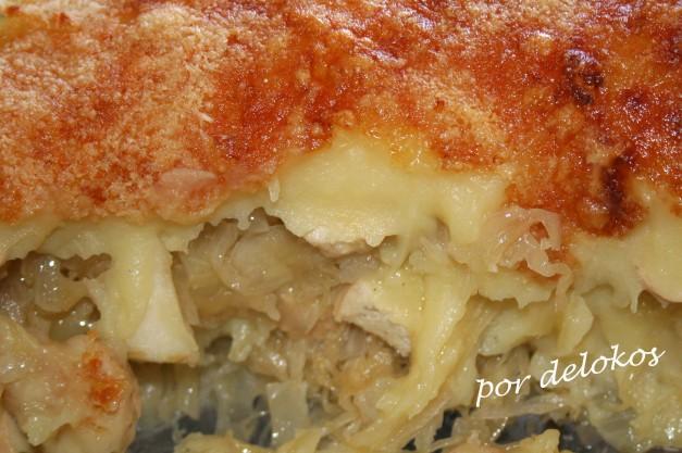 Pastel de chucrut, salchichas y patata
