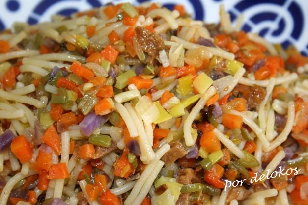 Salteado de verduras con fideos
