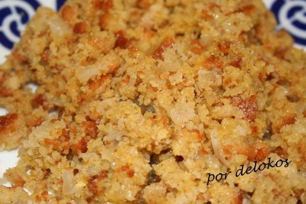Migas de pan de maíz