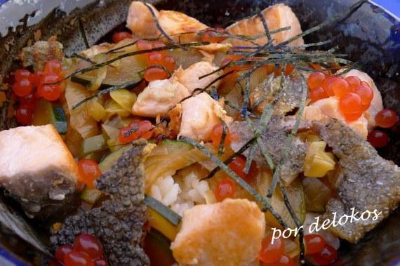 Donburi de calabacín y salmón, por delokos
