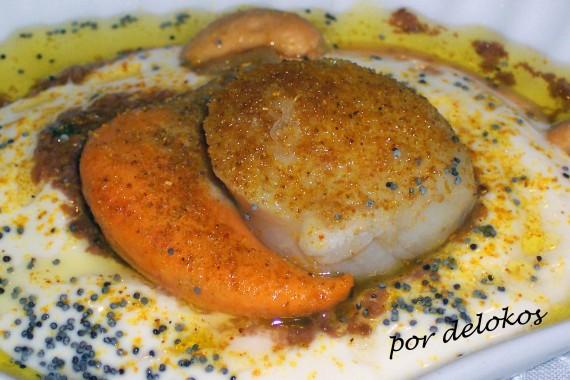 Vieiras al curry con yogur y olivas negras, por delokos