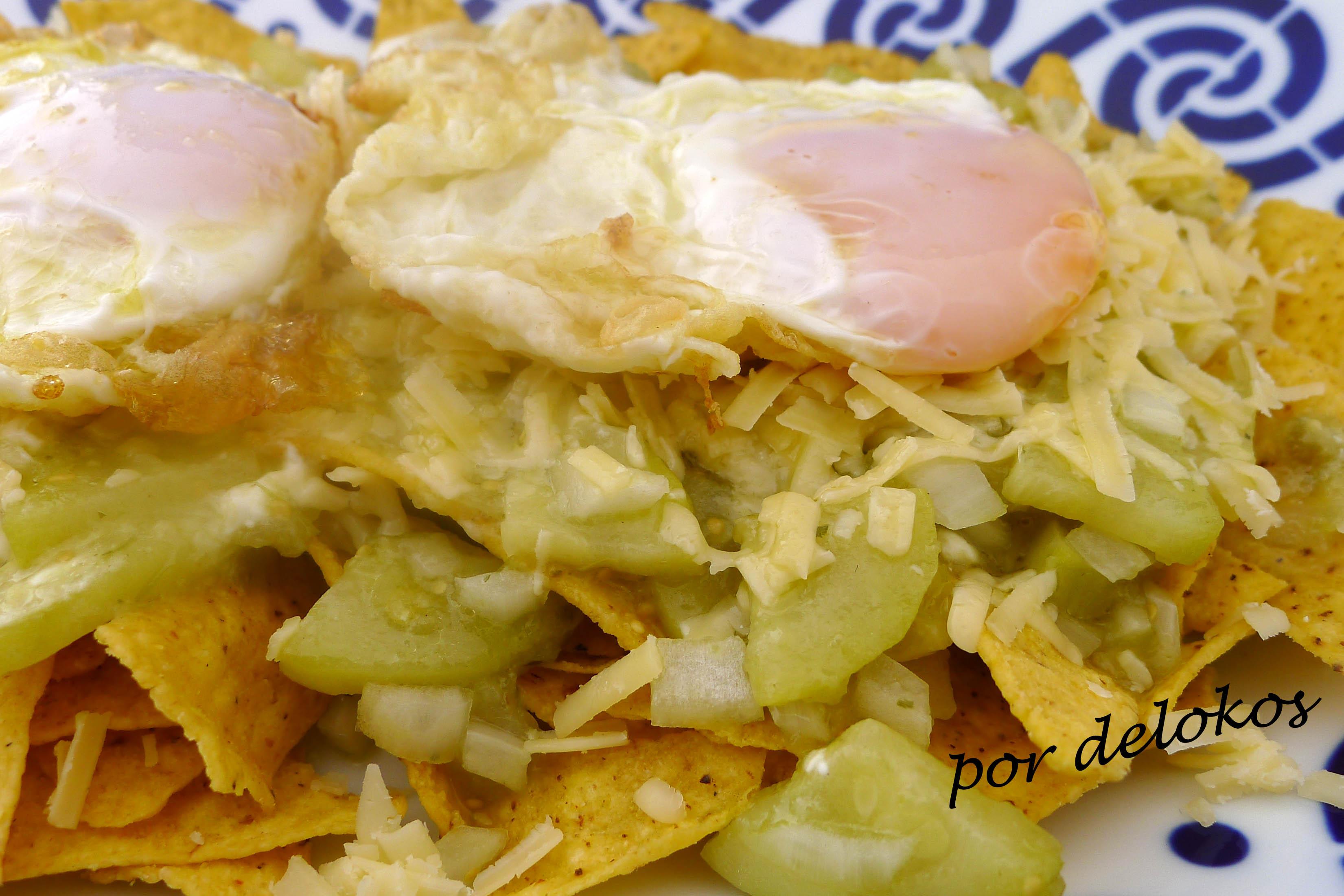 Chilaquiles verdes vegetarianos, por delokos
