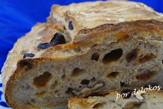 Pan de trigo y espelta con pasas y nueces, por delokos