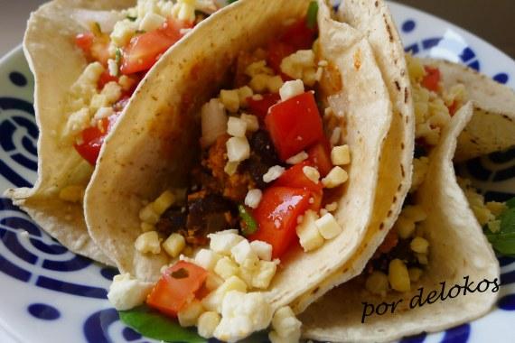 Tacos de frijoles y tofu, por delokos