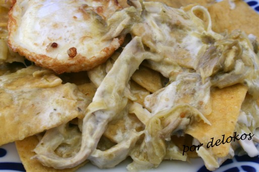Chilaquiles verdes con pollo, por delokos