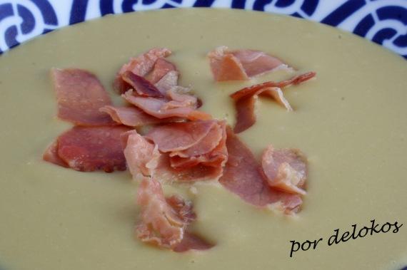Crema de guisantes secos con jamón, por delokos