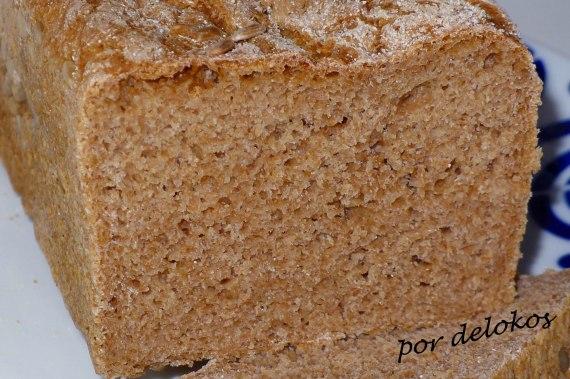 Pan multicereales en amasadora, por delokos