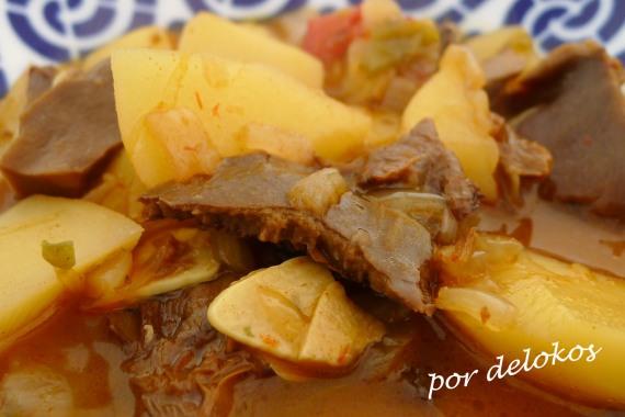 Patatas con níscalos, por delokos