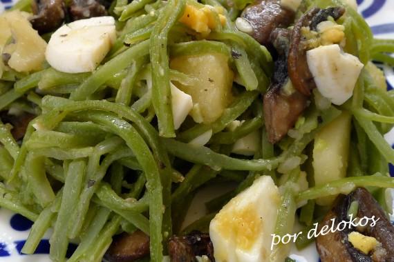 Judías verdes con portobello y huevo, por delokos