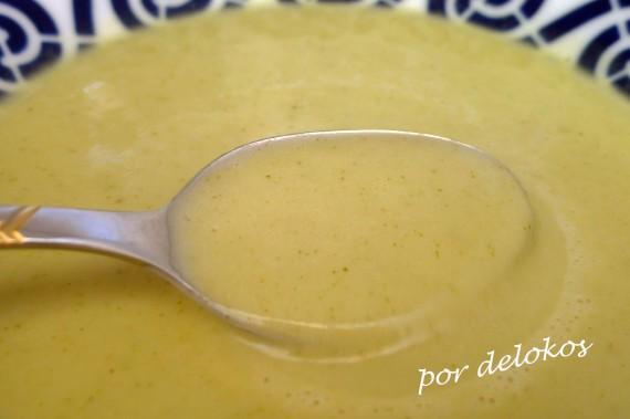 Crema de calabacín con queso de O Cebreiro, por delokos