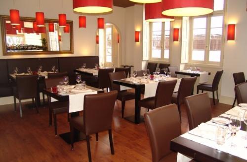 Sala, Essência Restaurante vegetariano. Foto tomada de: http://media.iolnegocios.pt/