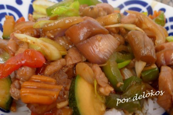 Wok de verduras y cerdo, por delokos