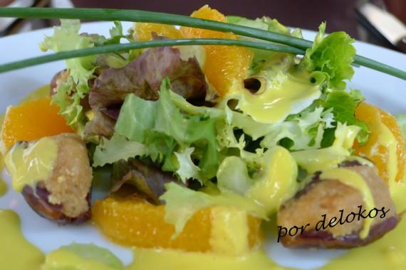 Ensalada de dátiles rellenos de pasta de almendras, apio y vinagreta de naranja con hierbas, Essência Restaurante Vegetariano, Oporto