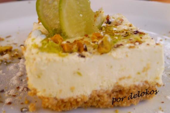 Tarta fresca de lima con yogur griego y pistachos, Essência Restaurante Vegetariano, Oporto