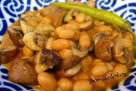 Alubias cena del cura con chiles y champiñones, por delokos