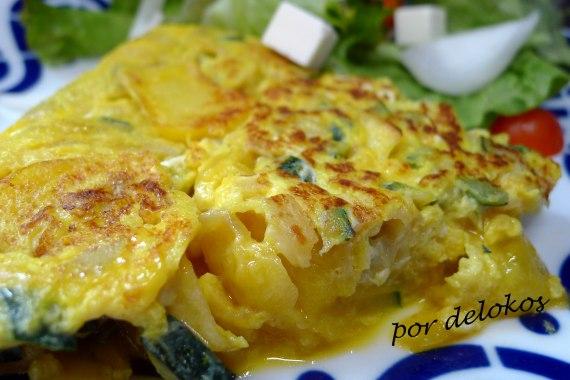 Tortilla de patata y calabacín, por delokos