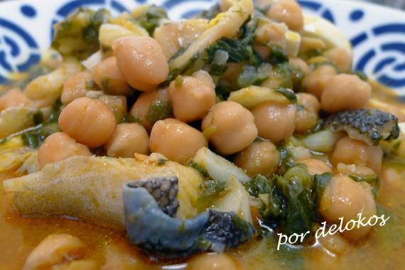 Potaje de garbanzos con bacalao, espinacas y huevo, por delokos