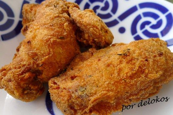 Alitas de pollo fritas, por delokos