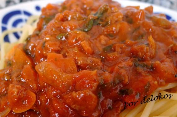 Salsa boloñesa vegetariana rápida, por delokos
