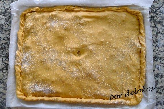 Empanada gallega previo a horneado, por delokos