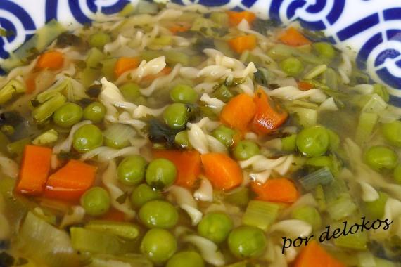 Sopa de verduras al cilantro, por delokos