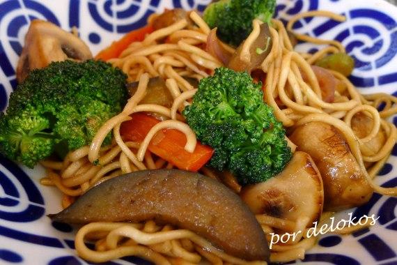 Wok de verduras al jengibre, por delokos