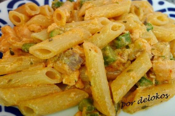 Pasta con espárragos verdes, salmón y mascarpone, por delokos