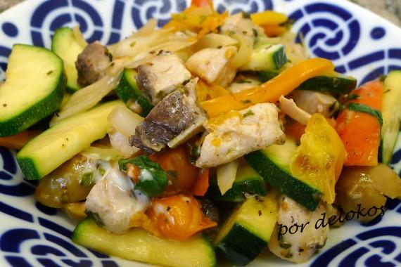 Salteado de verduras con bonito, por delokos