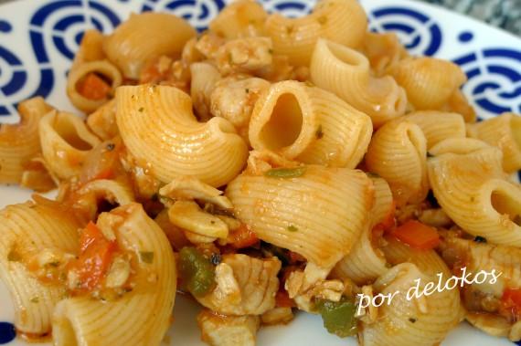 Pasta con verduras y castañeta, por delokos