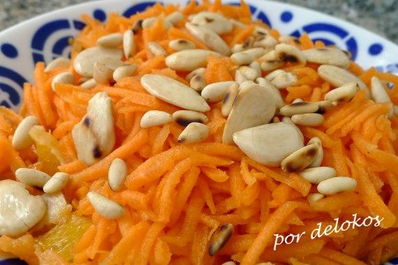 Ensalada árabe de zanahoria, naranja y frutos secos, por delokos