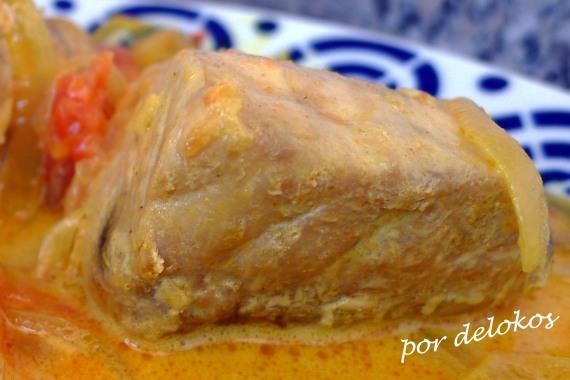 Curry de bonito con leche de coco, por delokos
