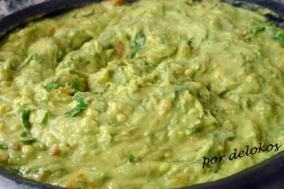 Guacamole tradicional, por delokos
