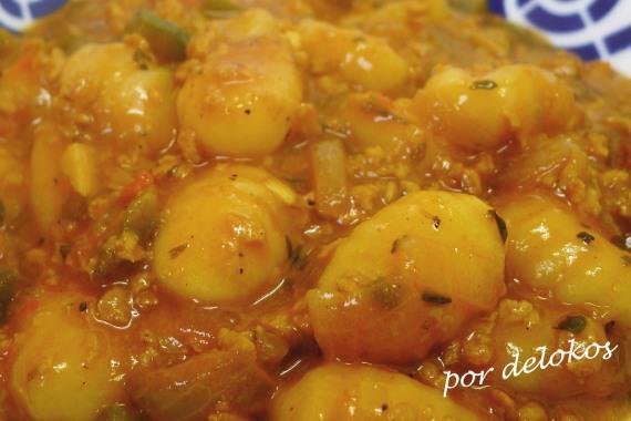 Ñoquis guisados con soja y verduras, por delokos