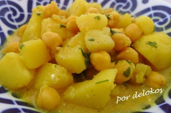 Curry de garbanzos y patatas, por delokos