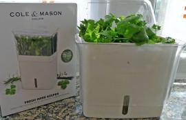 Contenedor de hierbas frescas cortadas, de Cole & Mason