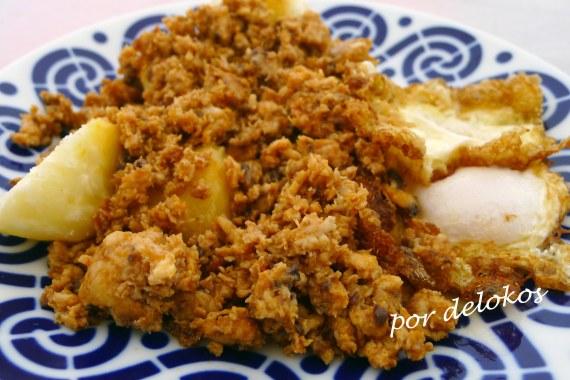 Zorza de bonito con patatas y huevo, por delokos