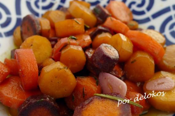 Zanahorias salteadas con hierbas, por delokos